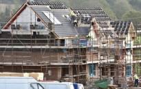Airijos vyriausybė deda per mažai pastangų į naujų namų statybą?