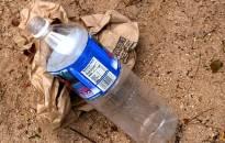 Stabdomas vienkartinių plastikinių indų naudojimas