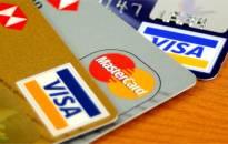 25 proc. gyventojų sąskaitas apmoka kreditinėmis kortelėmis