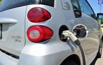 Ketinama įrengti 1000 stotelių elektriniams automobiliams krauti