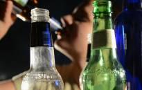 Bus uždrausta alkoholio relama prie mokyklų, darželių ir žaidimų aikštelių
