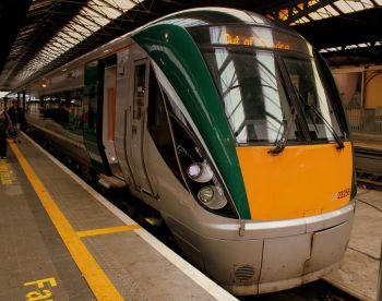 Uždraustas alkoholio vartojimas kai kuriuose traukiniuose