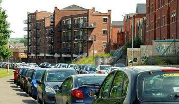 Dubline kils kaina už automobilių parkingą