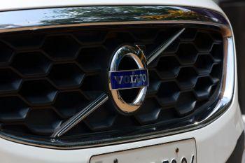 """Airijoje atšaukiami 5200 """"Volvo"""" automobilių"""