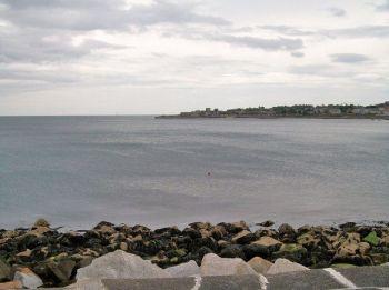 Kai kuriuose Airijos paplūdimiuose ir toliau draudžiama maudytis