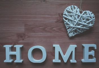 Airijos gyventojai tėvų namus palieka vidutiniškai 27 metų